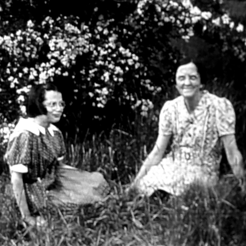 Picture of Catherine Dowley and Mamie Crosby